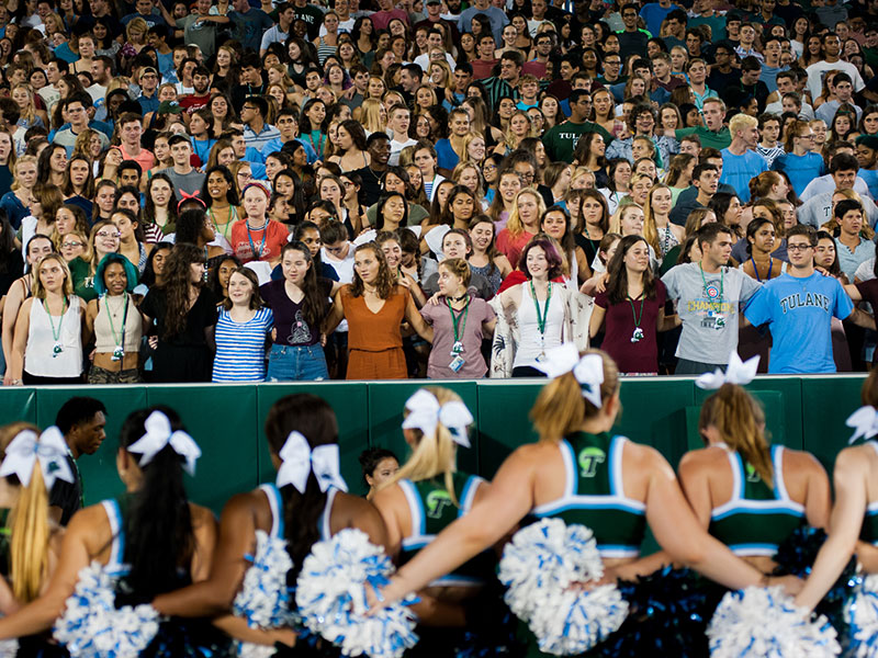 Cheerleaders and students at Yulman Stadium